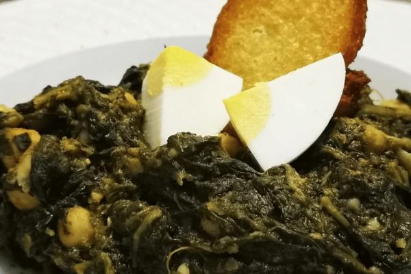 """La Receta del Jefe de Cocina de Emera Macarena: espinacas con garbanzos """"a la sevillana"""""""