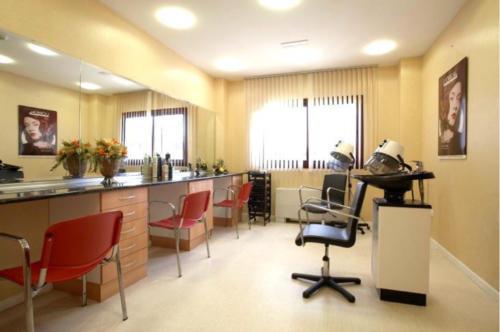 Residencia para mayores Emera Guadalajara-peluqueria